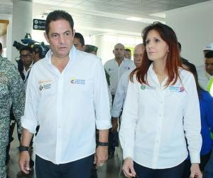 El vicepresidente Germán Vargas Lleras en compañía de la gobernadora Rosa Cotes de Zúñiga.
