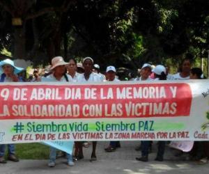 Víctimas de la Zona Bananera durante marcha.