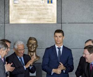 El presidente portugués, Marcelo Rebelo de Sousa, el primer ministro portugués, Antonio Costa y Cristiano Ronaldo en el evento de nombramiento del aeropuerto de Madeira en Portugal.
