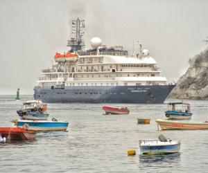 Llegada del crucero Hebriadn Sky.