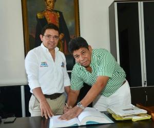 Isaac Pertuz se posesiona como alcalde de la localidad 3.