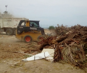 Recolección de escombros en la ciudad de Santa Marta.