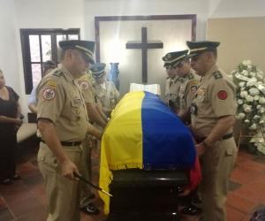 El Estado Mayor de la Primera División en los actos de honras fúnebres.