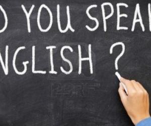 Hablar dos idiomas influye en la manera en que leemos.
