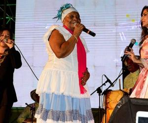 La cantante Petrona Martínez  y la intérprete de la cantante Emilia Herrera, conocida como 'La Niña Emilia'.