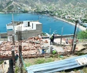 La obra fue sellada y posteriormente demolida.