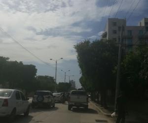 La protesta ha generado congestión véhicular en este sector de Santa Marta