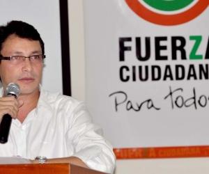 Carlos Caicedo, recibió una notificación del CNE en la que se le informa que se abrió una indagación preliminar en su contra y también de su movimiento, Fuerza Ciudadana.