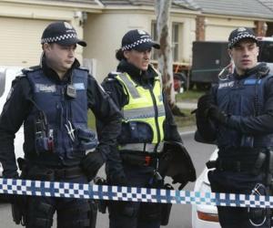 Policía de Melbourne atendiendo el incidente.