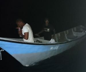 Luego de 48 horas fueron rescatados por la Armada Nacional.