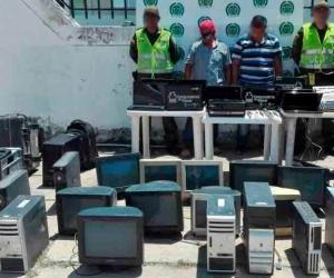 Los capturados de 43 y 29 años de edad naturales de Popayán - Cauca y Santa Marta respectivamente, fueron dejados a disposición de la Unidad de Reacción Inmediata de la Fiscalía en Plato.