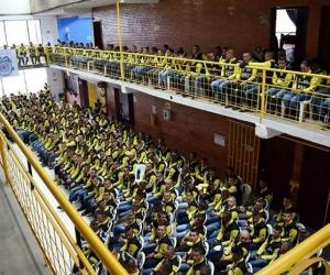 Los integrantes de las Farc durante la entrega de certificados de dejación de armas.