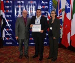 Alejandro García Puche, docente vinculado a la Unimagdalena recibió el reconocimiento.