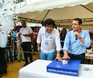 Este martes fue inaugurada la zona WiFi en el Mercado Público.