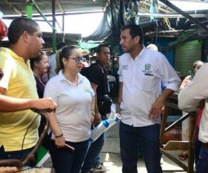 Inspección de inicio de obras de construcción de pavimento rígido y urbanismo en el Mercado Público.