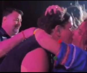 Una fan se dejó llevar por el ritmo de 'Carito', burló la seguridad y se lanzó sobre el samario.