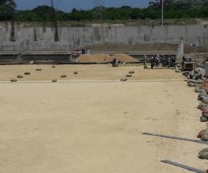 Así avanza el proceso de siembra de la gramilla en el estadio de Bureche.