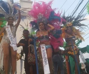 Las candidatas a capitana del mar fueron protagonistas en el desfile folclórico.