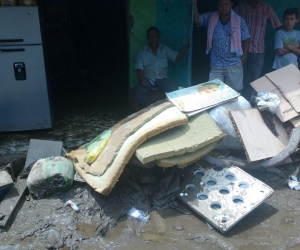 El desbordamiento del río Guachaca dejó más de 600 casas destruidas
