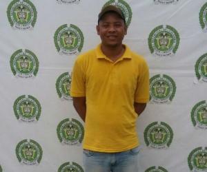 El capturado Enrique Torres Toncel posó sonriendo para la foto de las Policía.
