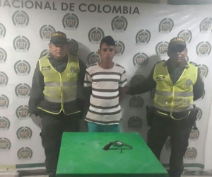 Hombre capturado por porte ilegal de arma de fuego