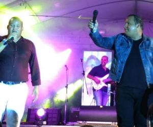 Los Mellos Cañas, Juan y Franklin, durante la presentación en Melgar.