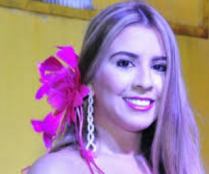 Valeria Rocha, reina del Carnaval de la 44