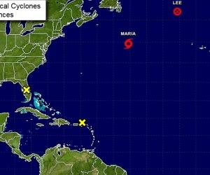 La tormenta tropical presenta vientos sostenidos de 60 millas por hora (95 km/h) y sigue su veloz desplazamiento con rumbo este-noreste.