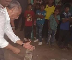 El alcalde Orlando Machado Machado puso la primera piedra de la 'Plaza Garizao'.