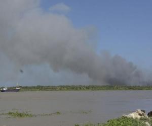 Esta es la columna de humo que se observa.