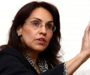 """""""Colombia debe estar en manos de una mujer"""" Viviane Morales"""