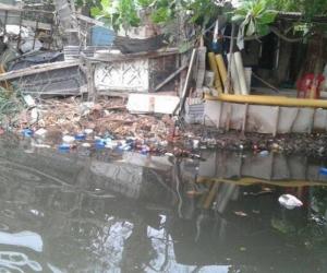 Aspecto de la ronda hídrica del río Manzanares en alguno de los puntos más contaminados.