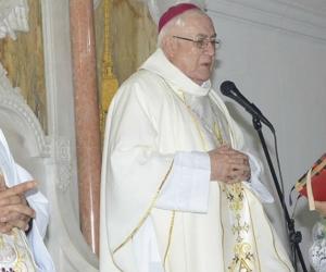 Obispo Luis Adriano Piedrahita.