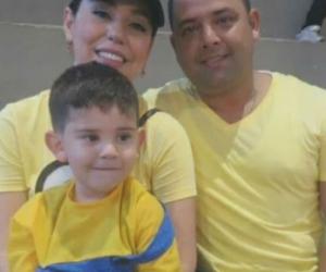 Edwin Contreras, su esposa Diana Arévalo y Cristo José.
