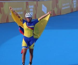 Gabriela Rueda festeja su medalla de oro.
