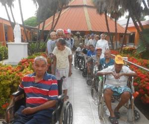 El asilo de El Banco atiende 40 adultos mayores, en su mayoría abandonados.