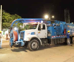 Operarios de Essmar y Veolia intervinieron la noche del sábado la tubería afectada.