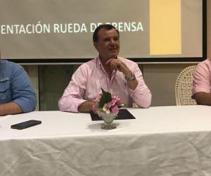 Andrés Vives, director Ejecutivo; César Riascos, presidente ejecutivo y Javier Jiménez, director de desarrollo competitivo de la Cámara de Comercio de Santa Marta.