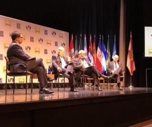 El expresidente Andrés Pastrana en el foro sobre democracia en Miami.