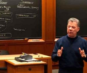 Juan Manuel Santos en Harvard
