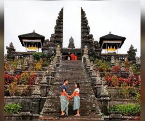Mariana Pajón, junto con su esposo, en Indonesia.