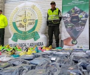 Mercancía de contrabando detenida por la Policía.