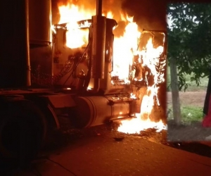Un camión fue quemado, la bandera fue encontrada por los habitantes del corregimiento de Mata de Caña en zona rural de El Banco.
