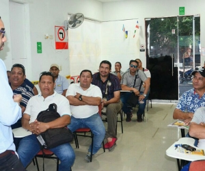 El secretario de Movilidad, Ernesto Castro, dio apertura a la capacitación.