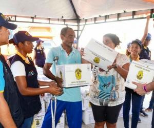 Distrito entregó ayudas humanitarias a afectados por ola invernal en la ciudad.