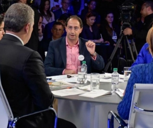 El Ministro José Manuel Restrepo acompañando al Presidente Duque en el balance de los 100 días.