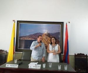 Luego del juramento la presidente electa, Claudia Patricia Aarón, agradeció el respaldo de sus colegas y dijo que tendrá un reto el departamento.