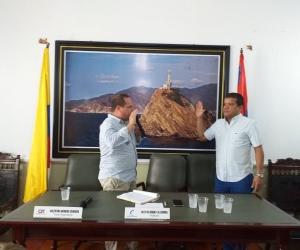Momento cuando era juramentado el vicepresidente electo, Anselmo Marín.