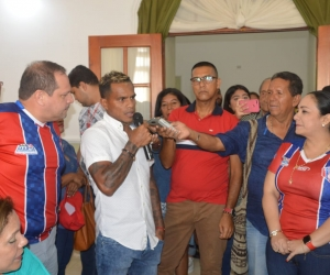 El capitán David Ferreira agradeció a los diputados por el gesto con el equipo.