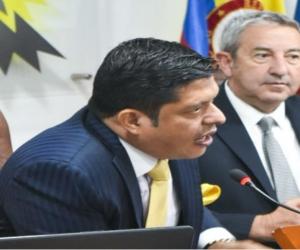 Pablo Vera en su intervención en el Parlamento.